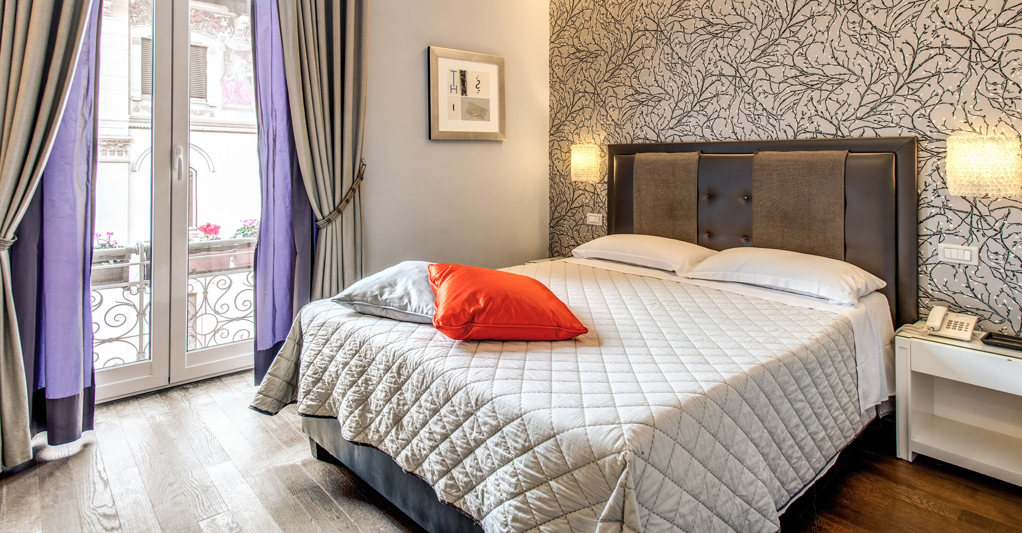 Boutique guesthouse roma four star city centre for Boutique rooms